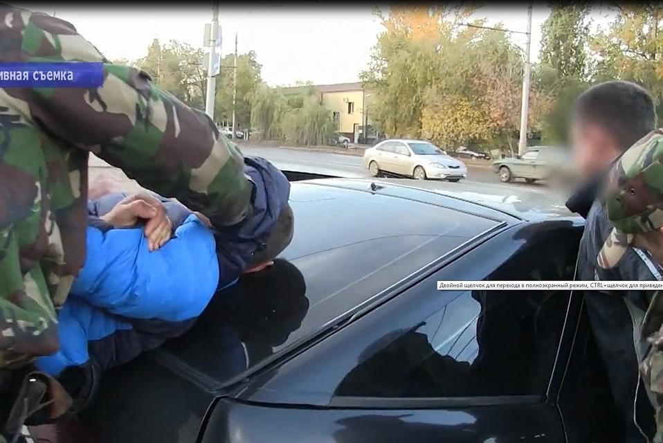 При обыске уподозреваемых вквартирных кражах отыскали полицейскую «корочку»