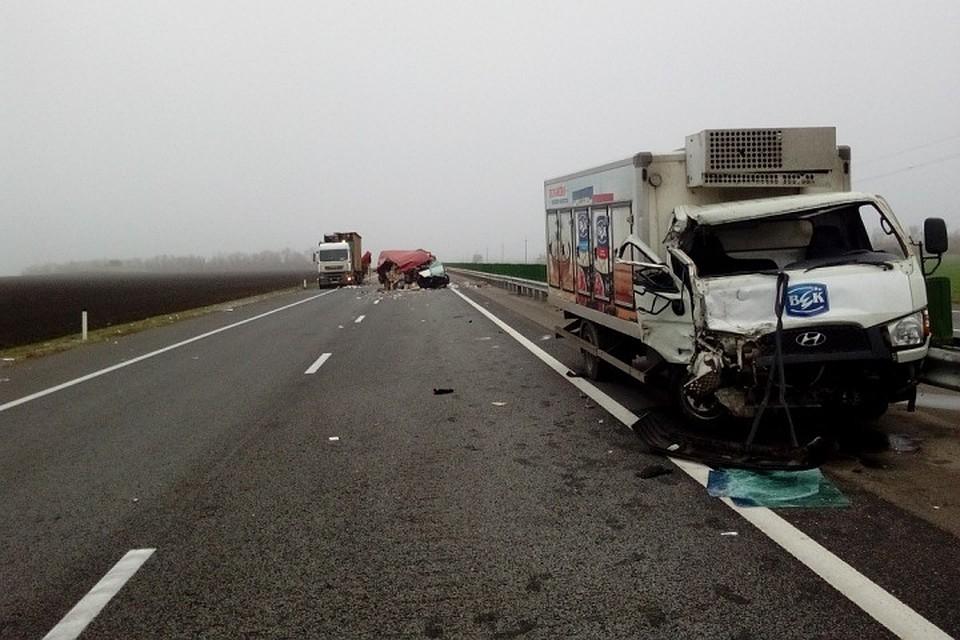 ВПавловском районе вДТП попали три грузового автомобиля