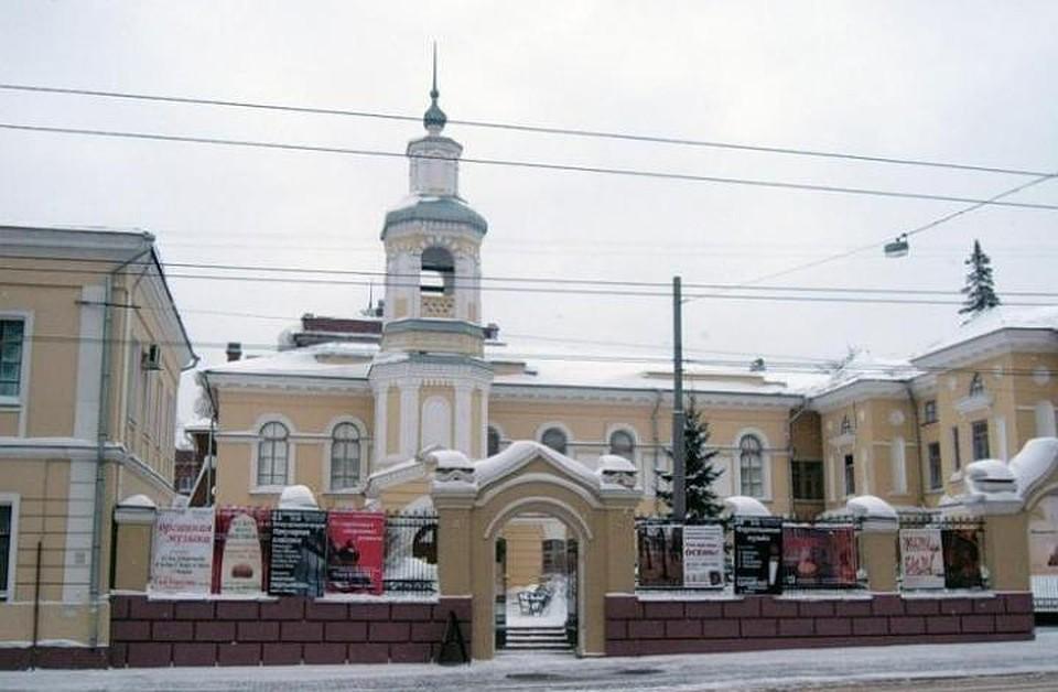 Водном изхрамов, где возносилась когда-то молитва, стоит орган— Митрополит Ростислав