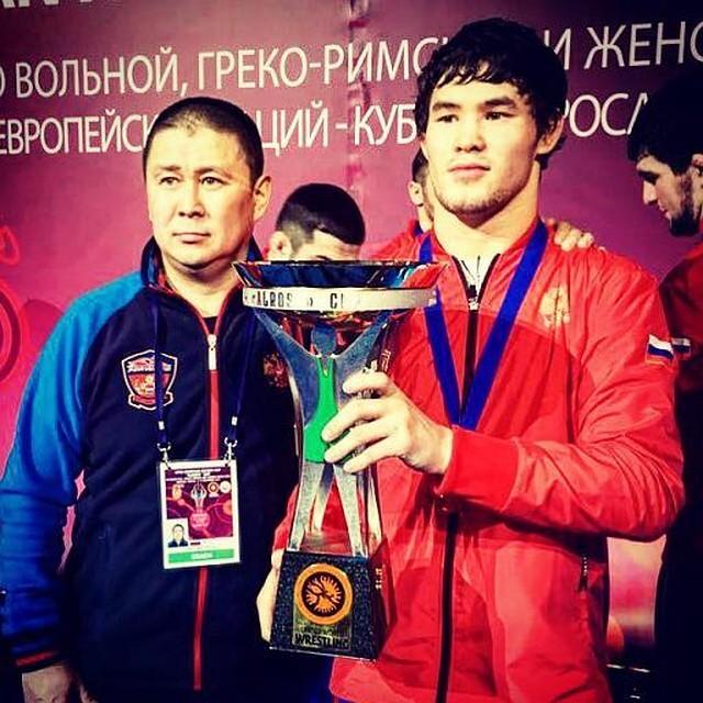 Якутский спортсмен Виктор Рассадин одержал победу кубок АЛРОСА повольной борьбе