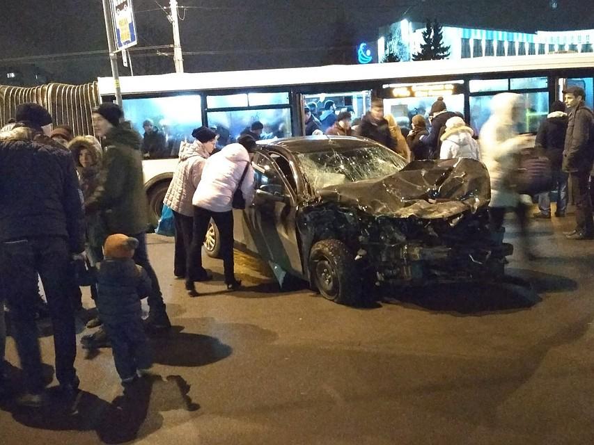 Шофёр  эвакуатора умер  вДТП савтобусом вПриморском районе Петербурга