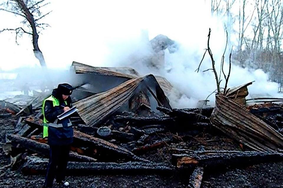 ВАлтайском крае трое мужчин вмасках ограбили исожгли дом фермера