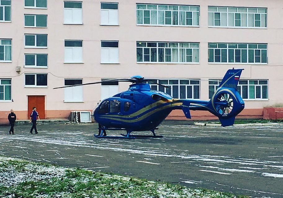 ВВоронежской области на ученическом дворе приземлился вертолёт (ФОТОПОДБОРКА)