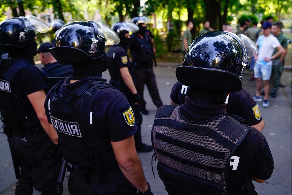Полиция помешала установить сцену для Саакашвили вКиеве