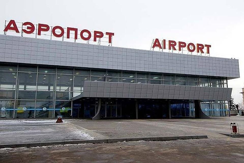 Самолет, летевший из столицы  вВолгоград, из-за тумана сел вАстрахани