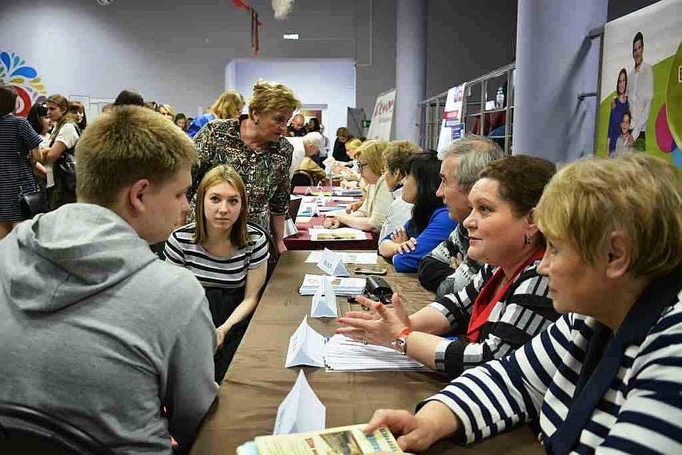 Набережночелнинские учреждения загод сократили 649 служащих