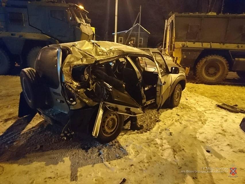 ВДубовском районе «Нива» протаранила КамАЗ: 1 человек умер