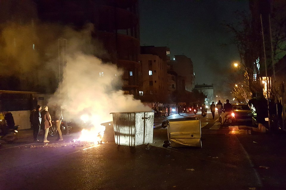 Впроцессе протестов вИране погибло два человека