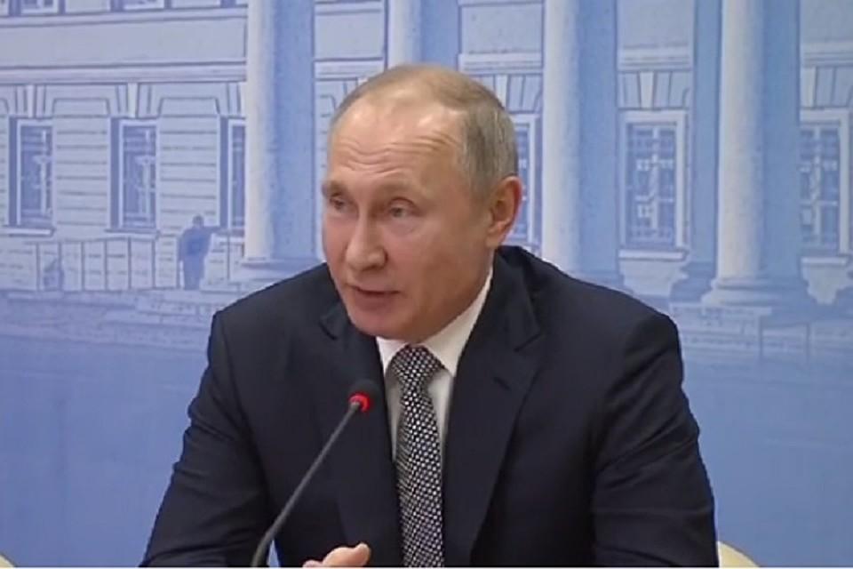 Студенты изСтаврополя поведали лидеру России о«навигаторе профессий»