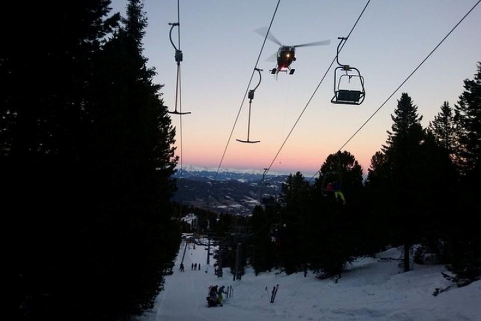 Австрийская Республика : неменее  100 лыжников застряли насломанной канатной дороге
