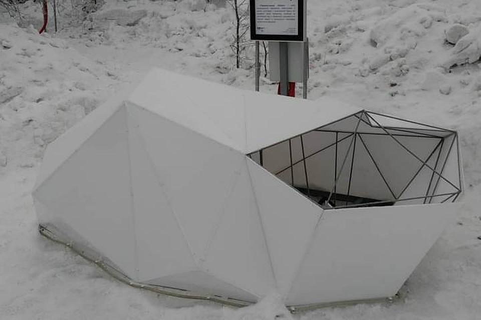 Унабережной Семеновского озера появились световые инсталляции