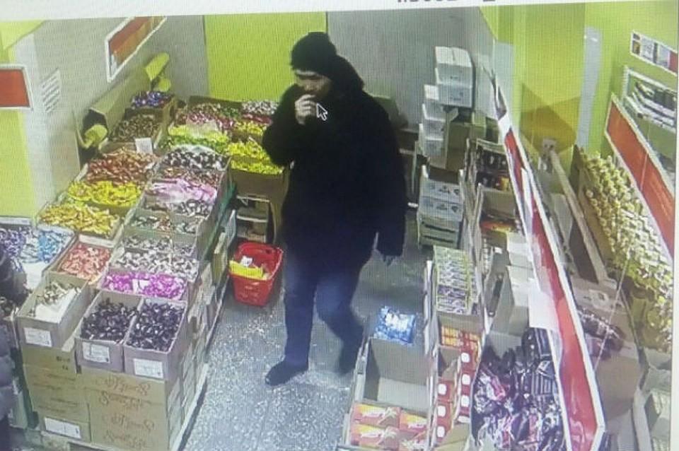 Вооруженный ножом мужчина напал на кабинет микрозаймов вИркутске