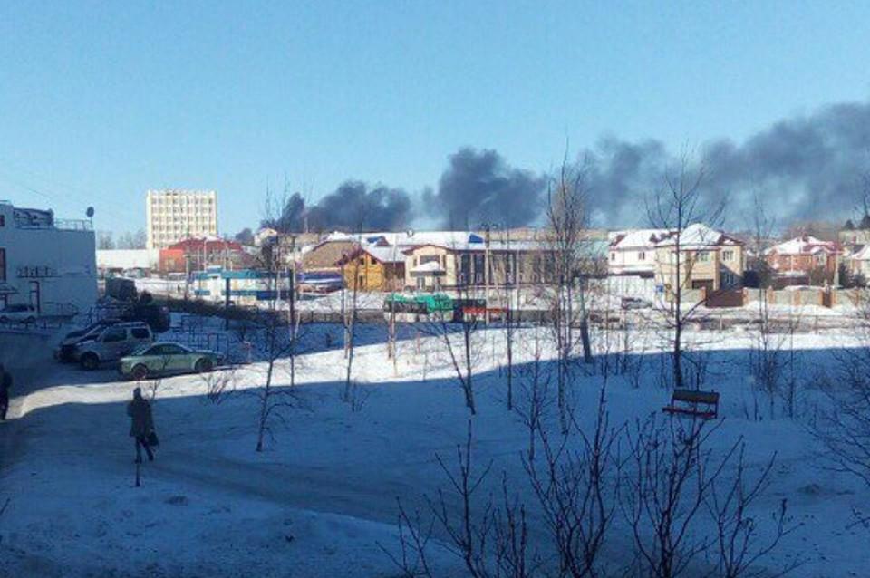 ВХабаровске напромзоне вспыхнула огнем  12-тонная цистерна