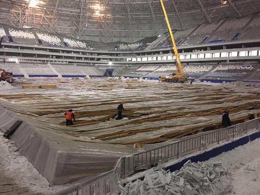 Настадионе «Самара Арена» смонтировали козырьки над зрительскими трибунами