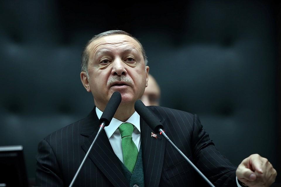 Эрдоган: Турция рассчитывает окружить Африн вближайшие дни