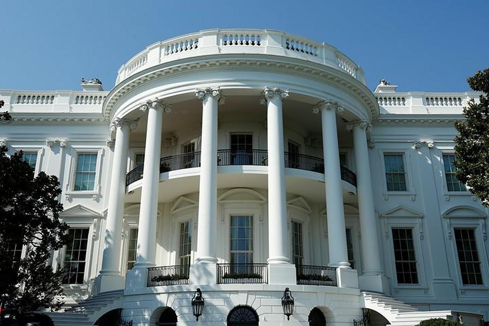 ВВашингтоне уограды Белого дома застрелился мужчина