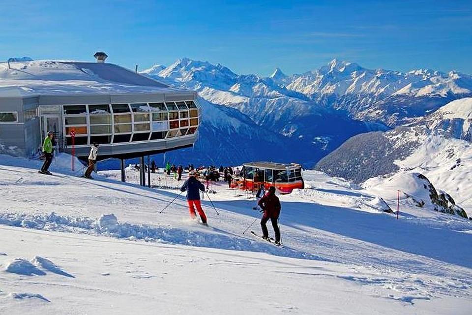 Лавина накрыла пятерых лыжников воФранции