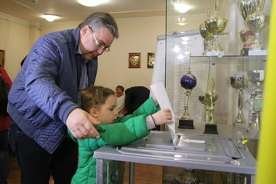 Губернатор Владимиров принял участие ввыборах президента