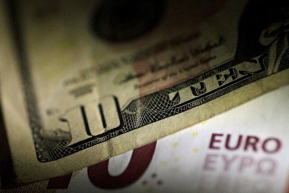 Курс доллара превысил 58 руб. впервый раз с12февраля