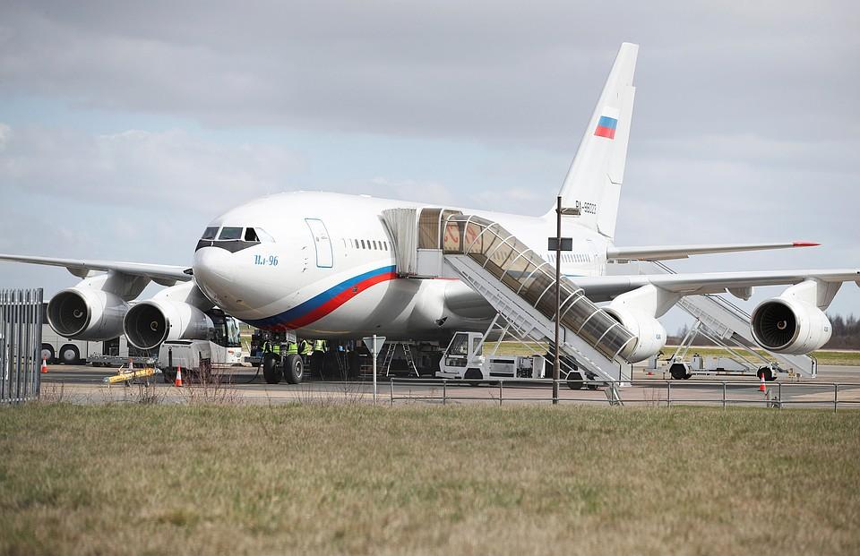 Высылаемые изЛондона дипломаты вылетят на отчизну