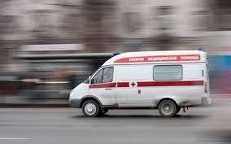 ВКраснодаре столкнулись иностранная машина искорая помощь. отправлены вмедучереждение два человека