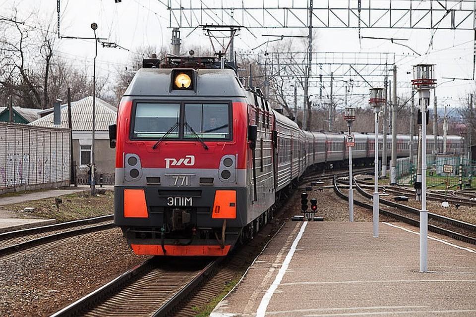 ВТатарстане поезд насмерть сбил нетрезвого мужчину и8-летнюю девочку