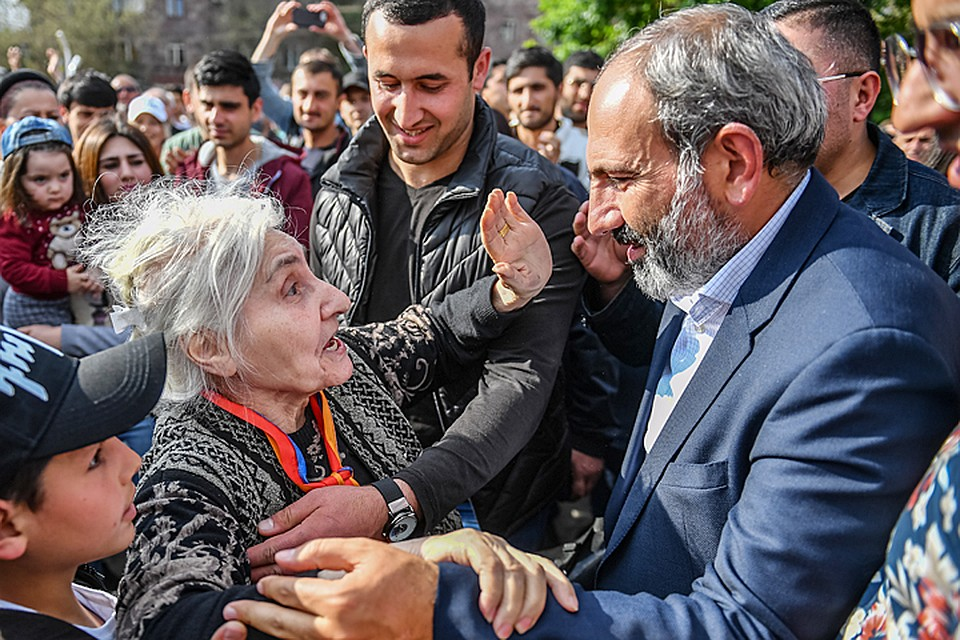 Лидер армянской оппозиции Пашинян призвал к совместной забастовке