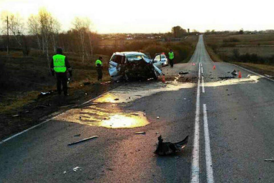 ВЕрмаковском районе вДТП сэкскаватором погибли 4 человека