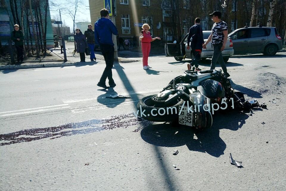 В 2-х ДТП вМурманской области пострадали мотоциклист ипешеход