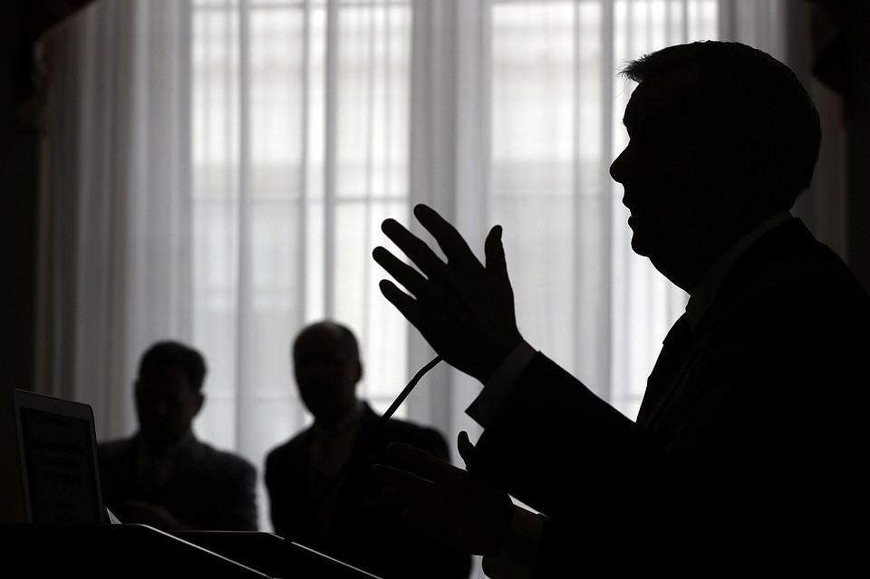 Американский сенатор разглядел живущее в РФ «советское зло»