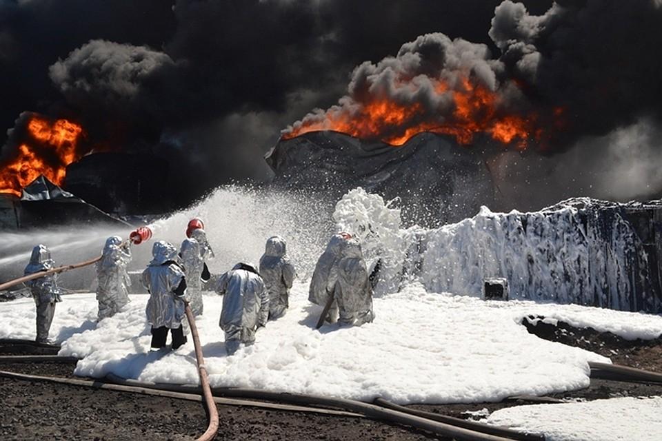 ВИране зажегся один изкрупнейших вмире нефтеперерабатывающих заводов