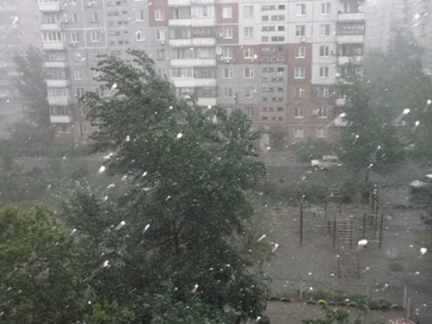ВЕкатеринбурге продлено штормовое предупреждение из-за грозы
