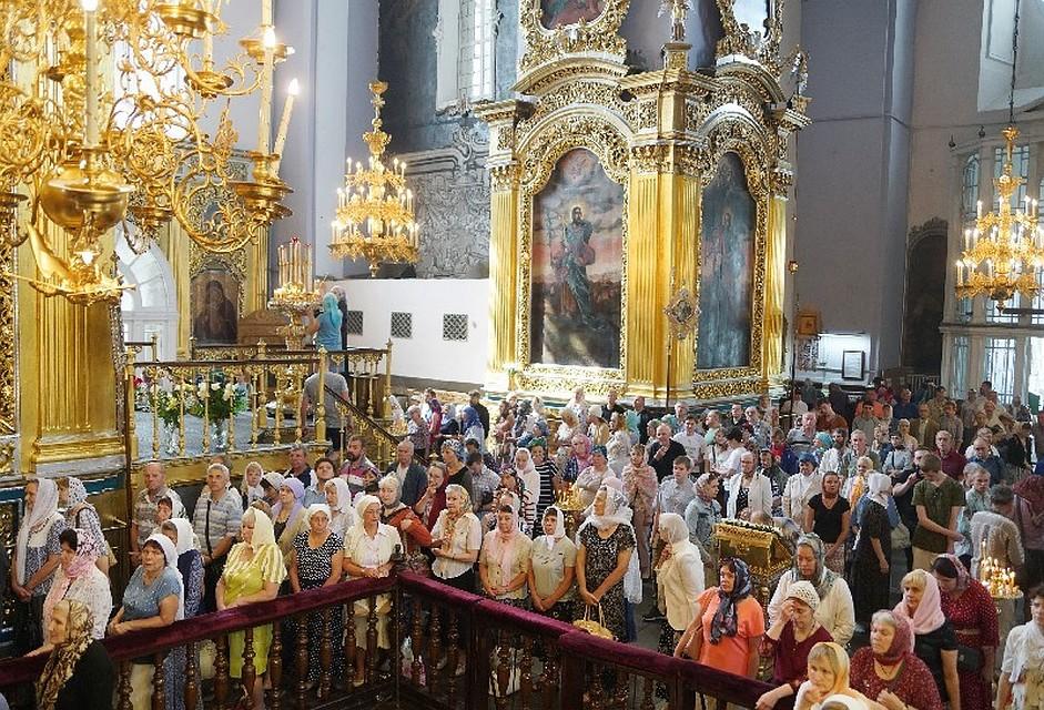 Богослужение в храме Христа Спасителя в честь 1030-летия Крещения Руси