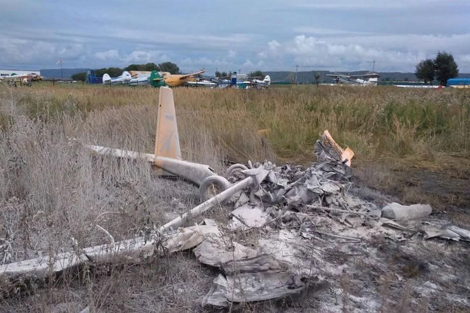 ВКрасноярском крае при падении легкомоторного самолета умер пилот