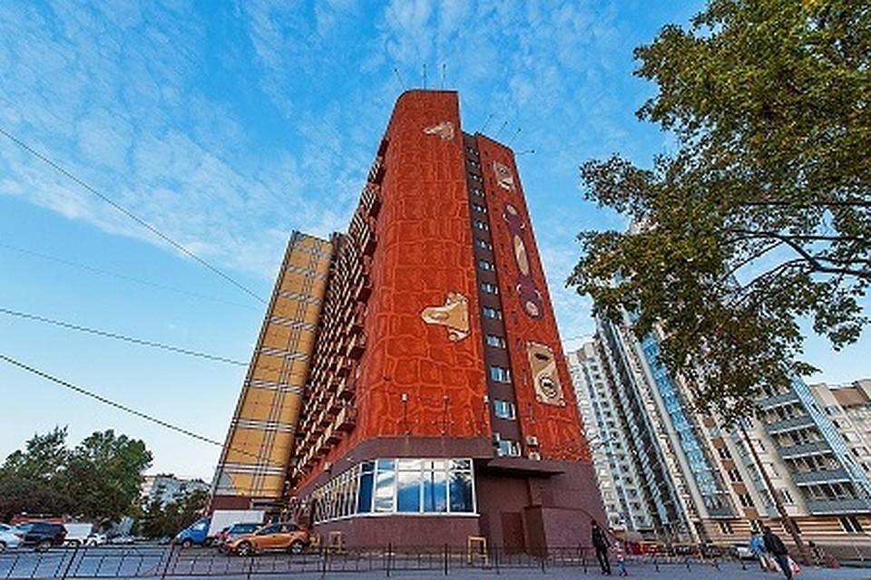 ВПетербурге продали гостиницу ввиде чемодана