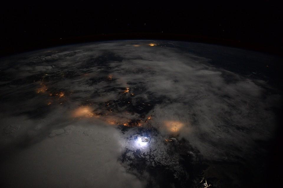 Российские ученые потеряли связь с космическим телескопом Спектр-Р