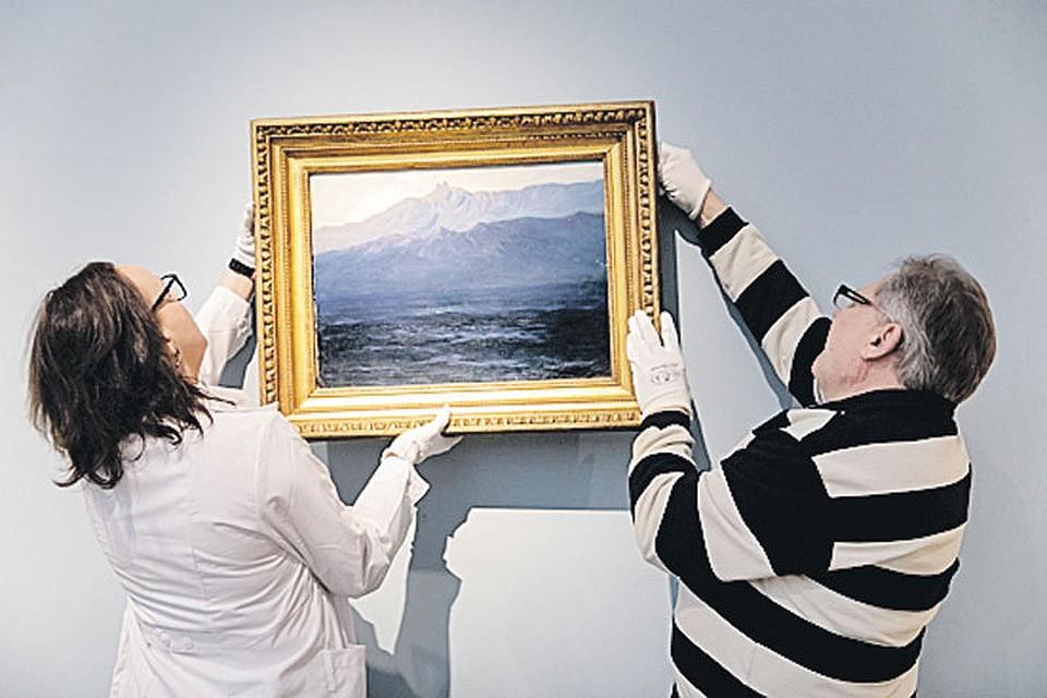 ИзТретьяковки наглазах посетителей украли картину