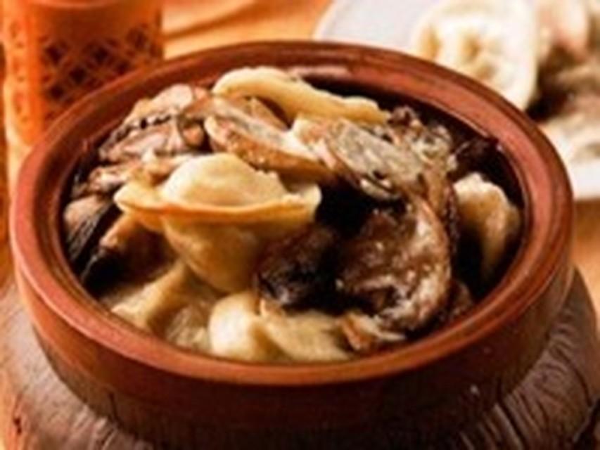 Рецепт пельмени с грибами в горшочках с фото