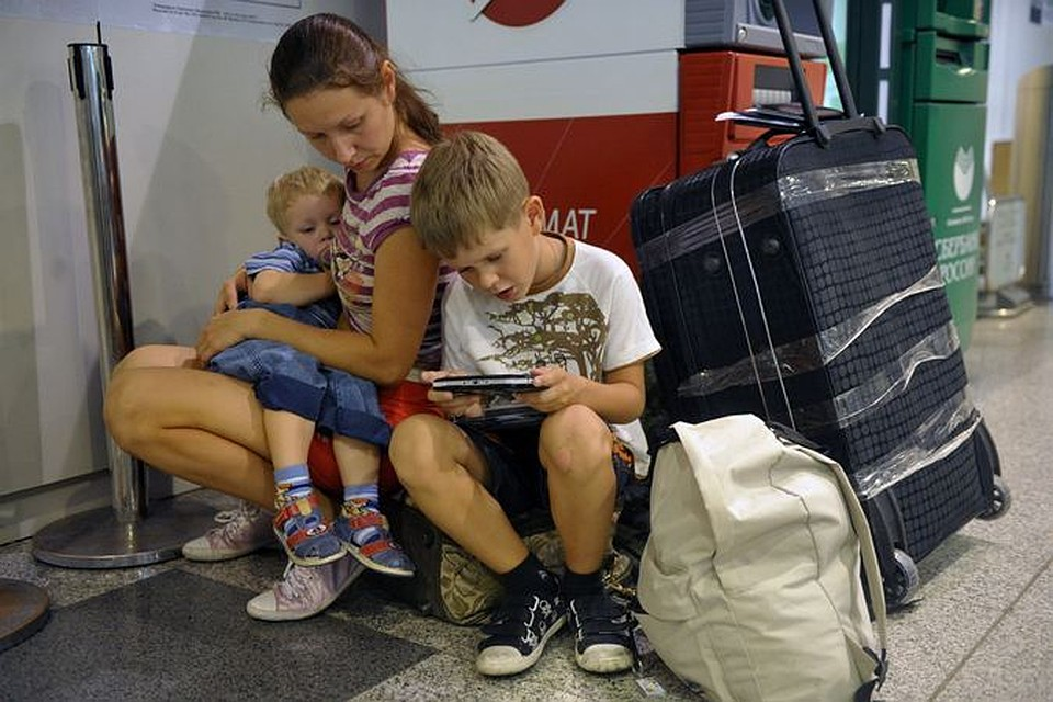 нужна ли доверенность на сопровождение ребенка по россии с знакомыми