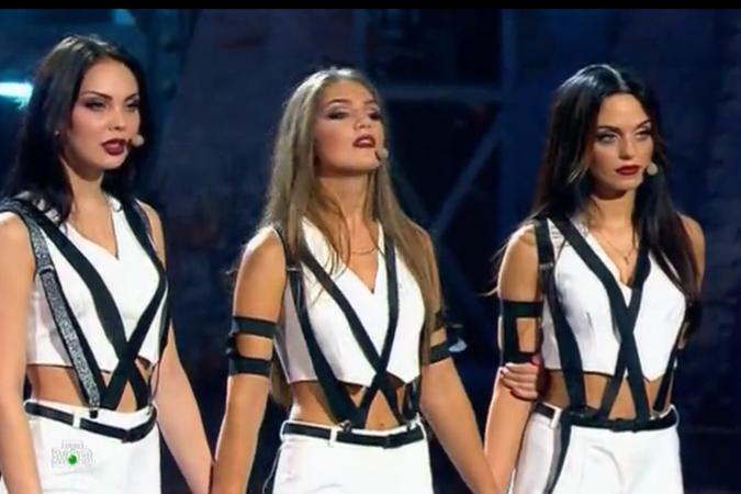 До финала добрались лишь двое россиянок. Одна из них - Юлия Ефременкова (крайняя справа)