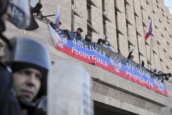 В воскресенье события Русской Весны на Юго-Востоке Украины перешли из протестной в революционную фазу