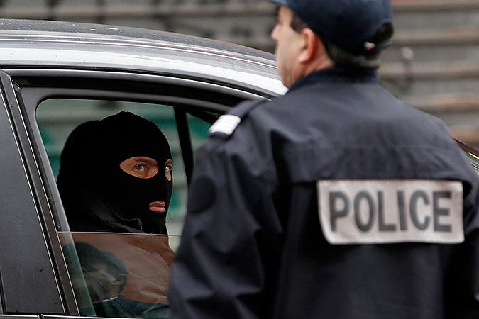 Полиция определила местонахождение причастных к атаке на редакцию Charlie Hebdo