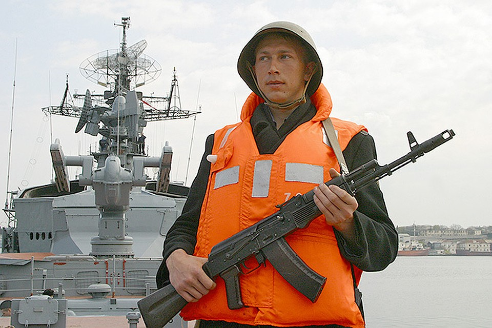 """Турецкий сейнер вынудил российского """"сторожевика"""" открыть огонь в Эгейском море"""