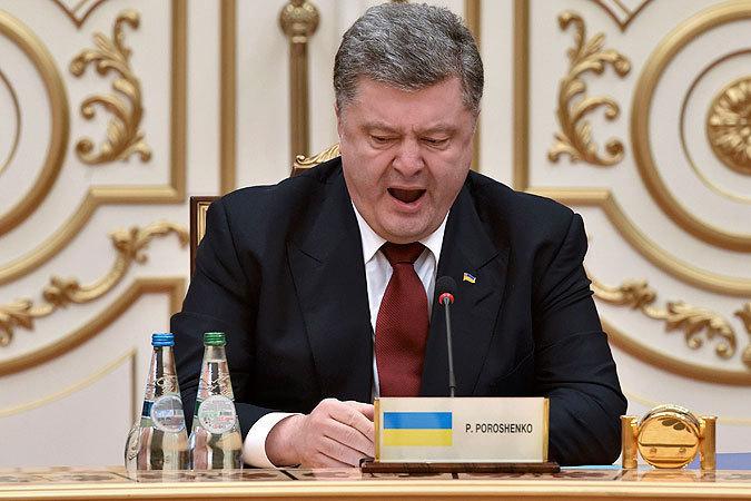 СМИ: Жители Львова пожелали Порошенко на Рождество продать Roshen