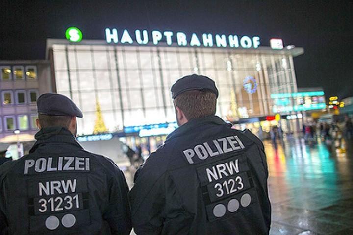 Полиция Германии объявила сексуальные домогательства национальной забавой мигрантов