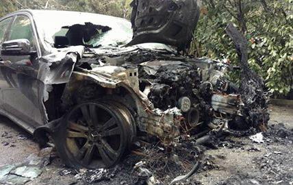На ЮБК поджигают машины. Фото: предоставлено владельцами авто