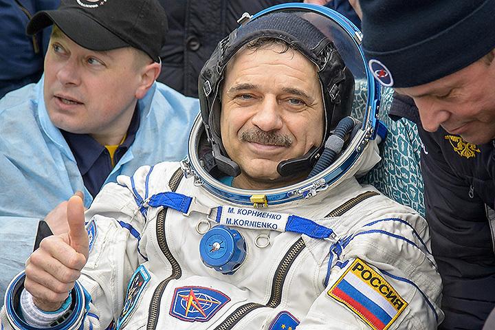 Возвращение на Землю космонавта Михаила Корниенко, проработавшего год на орбите. Фото: Zuma/TASS