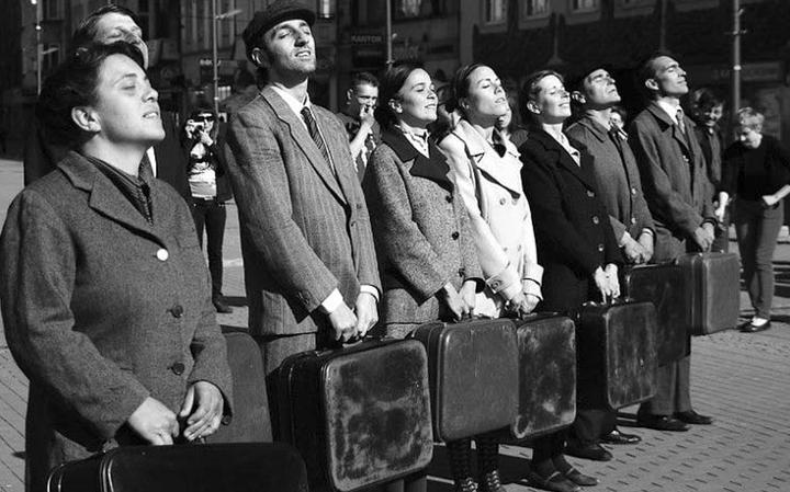"""Спектакль """"Побег"""" испанского уличного театра Kamchatka - это приключение, в котором зрители участвуют вместе с актерами. Фото: Sylvie Bosc"""