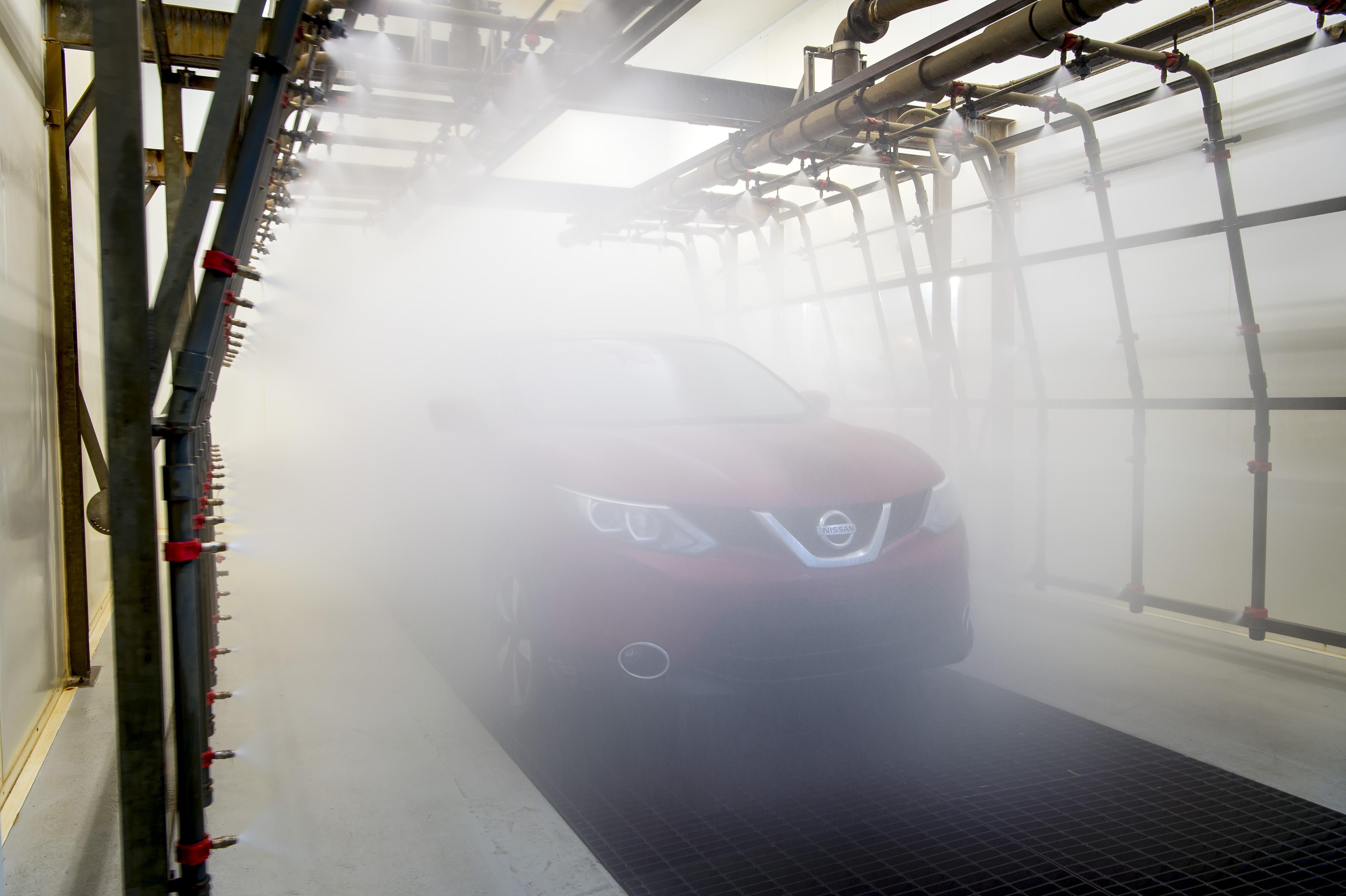 Стандарты испытаний Nissan прекрасно подходят для моделирования как умеренного климата и дорожных условий Западной Европы, так и погоды в более суровых регионах.Фото Nissan