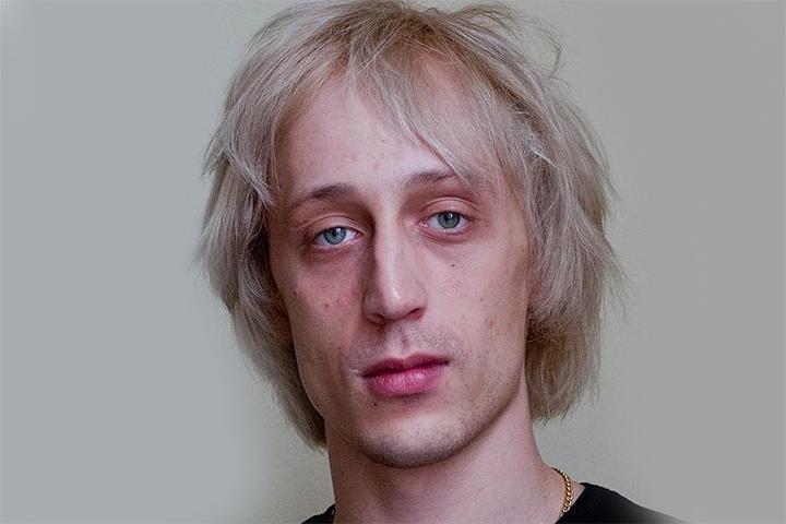 Дмитриченко должен был «тянуть срок» до 4 сентября 2018 года. Но был досрочно освобожден